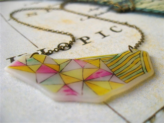 Abstract Geometric Triangles and Stripes Necklace