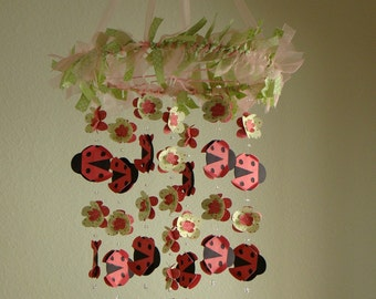 Baby Mobile Nursery Cot Decor Pink Green Red Ladybug Flower Ribbon Baby Shower Gift Baby Mobile Chandelier Customize