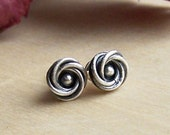 Small earring studs/ silver post earrings/ knots/ organic earrings / metalwork earrings/ metalsmith/ flower patina small
