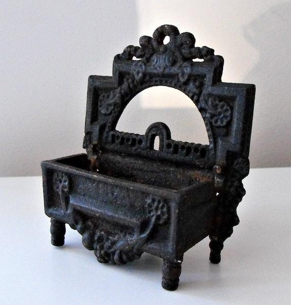 Vintage Cast Iron Wooden Match Holder LB-19 By Iron Art