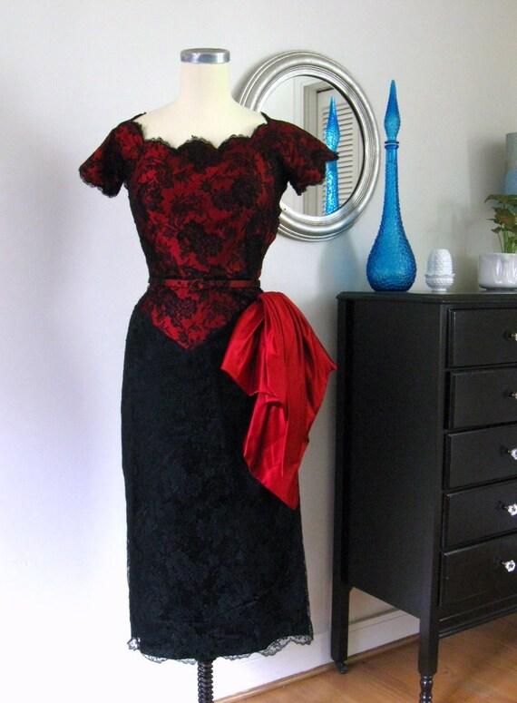 1950's vintage Pattullo-Jo Copeland Red Satin & Black Lace Dress...23.5 waist