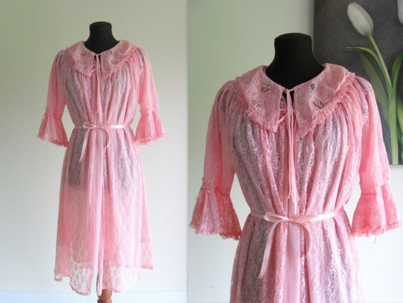 60s peignoir set / 1960s pink lace & chiffon nightgown nightie and robe ... size M/L