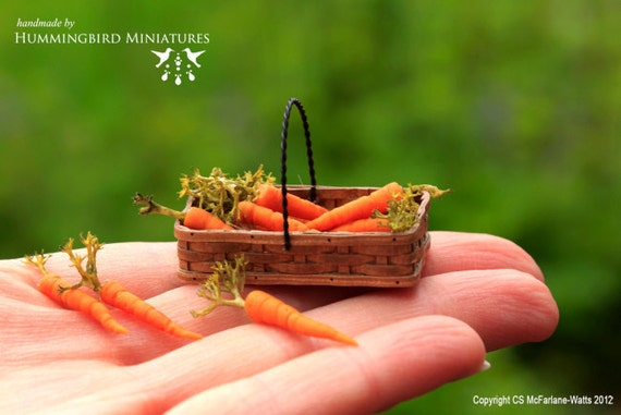 RSERVED  Carrots 1/12 scale dollhouse miniatures
