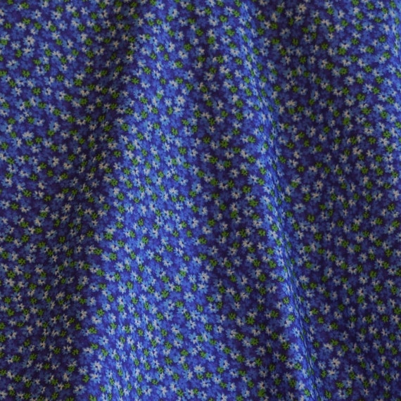 FABRIC14 Quilting COTTON PRINT 1940s Repro Blue Little Flowers 45 x 112 15-oz
