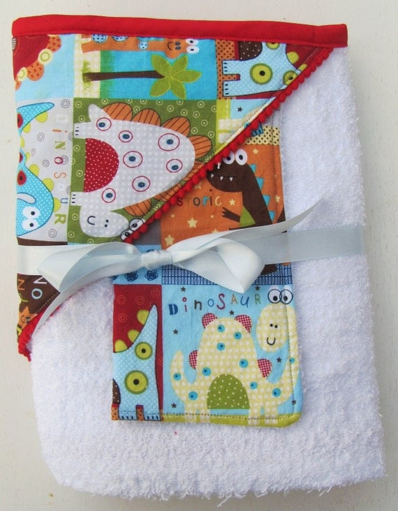 Hooded Baby Towel & Washcloth - Dinosaur with Red Mini PomPom