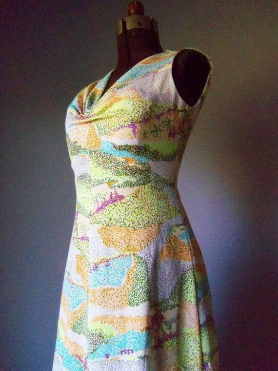 Stunning Womens Vintage Formal Dress Gown size Small or Medium