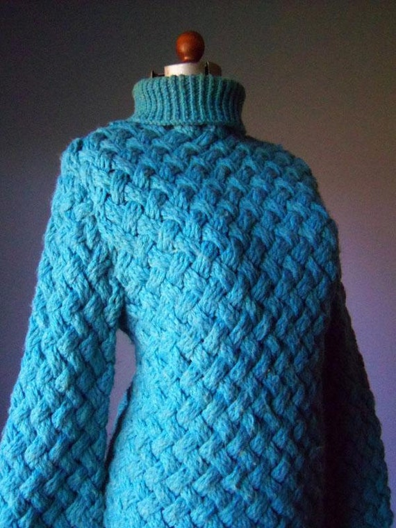 Womens Vintage Aqua Knit Sweater size Medium