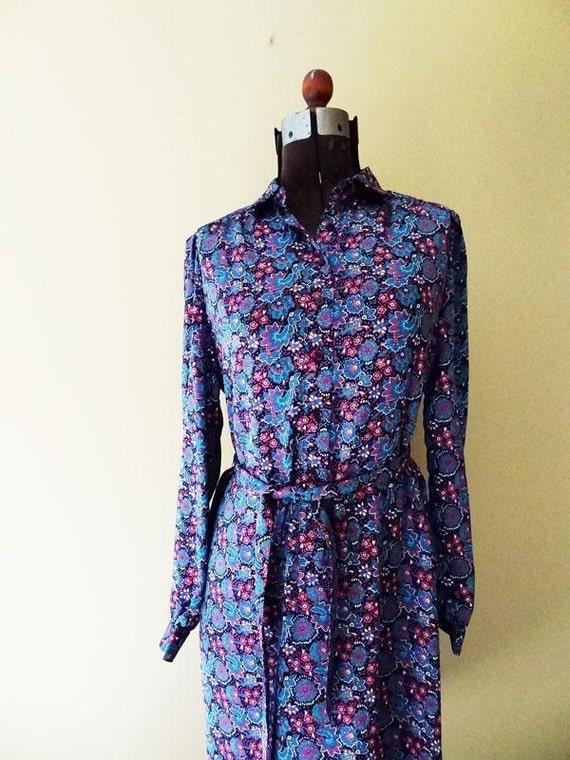 Womens Vintage Dress Floral Paisley  size Medium or Large