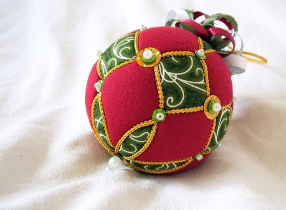 Christmas Ornaments Red And Gold : Red green and gold kimekomi christmas ornament