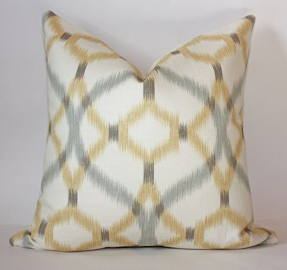 Ikat Geometric Pillow Cover/ 18x18