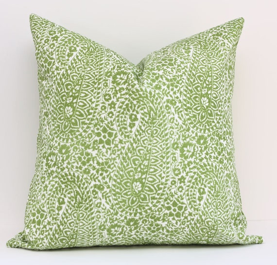 Schumacher Paisley  Outdoor Pillow Cover / 18x18 / Pareo Kiwi