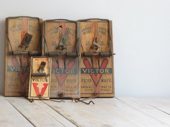 vintage collection of  victor traps