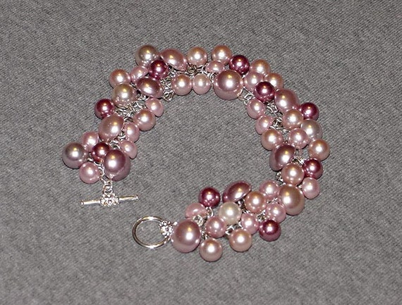 Button Bracelet Featuring Retro Vintage Pink Pearl Buttons