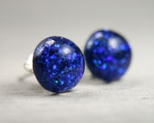 globe post earrings in electric blue sparkles - 8mm