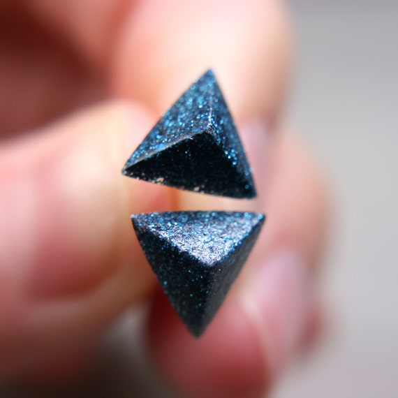 pyramid post earrings in shimmery midnight blue