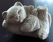 ONE Zen Mini Lucky Cat Maneki Neko with Fish Bonsai Terrarium Sculpture