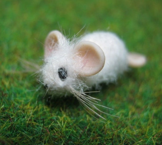 Tiny Harold 1 12th scale white rat furred OOAK SCULPT by Artist Ann Galvin mouse