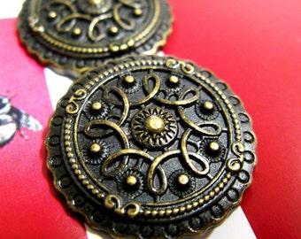 Celtic Shield Metal Buttons , Antique Brass Color , Shank , 1 inch , 10 pcs