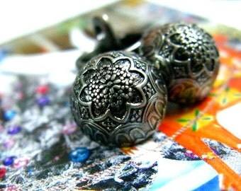 Metal Buttons - Set 10 Meticulous Gunmetal High Domed Relief Floral Pattern Buttons.self shank. 0.55 inch