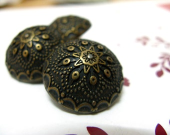 Metal Buttons - Gothic Flower Metal Buttons , Antique Brass Color , Domed , Shank , 0.79 inch , 10 pcs