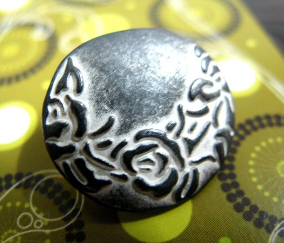 Metal Buttons - Crescent Flower Metal Buttons , Gunmetal White Color , Shank , 0.75 inch , 10 pcs