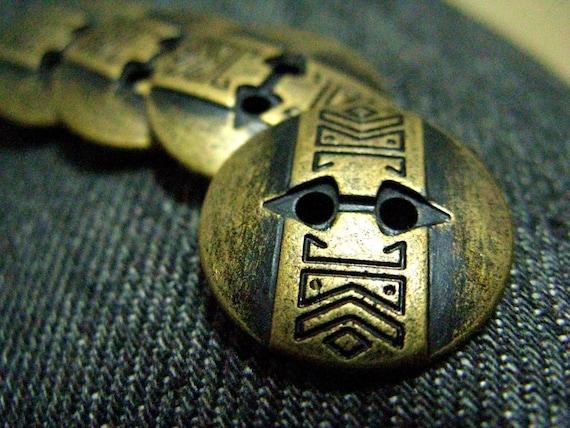 Metal Buttons - Long Totem Metal Buttons , Antique Brass Color , 2 Holes , 0.79 inch , 10 pcs