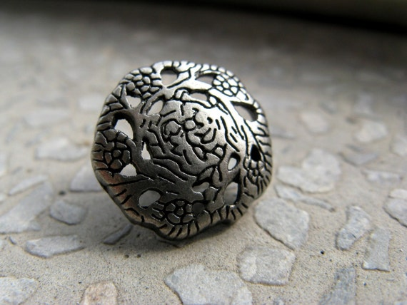 Metal Buttons - Flower Vine Pierce Metal Buttons , Nickel Silver Color , Shank , 0.59 inch , 10 pcs