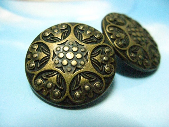 Metal Buttons - Carved Floret Metal Buttons , Antique Brass Color , Shank , 1 inch , 6 pcs