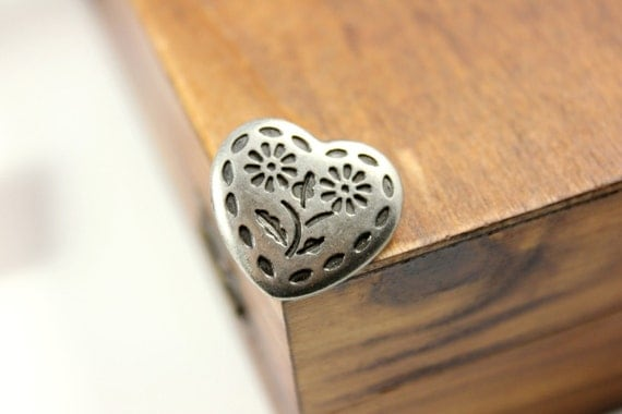 Metal Buttons - Flowers in Heart Metal Buttons , Nickel Silver Color , Shank , 0.59 inch , 10 pcs
