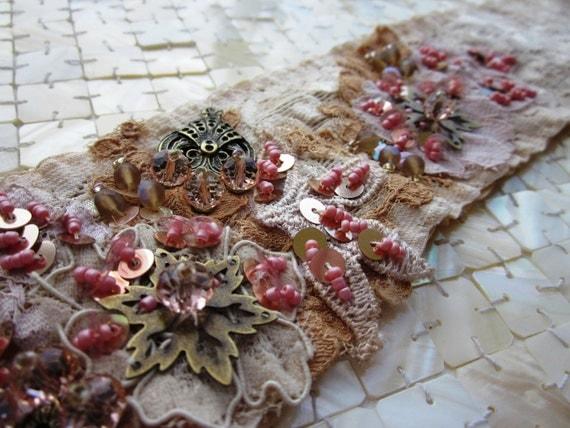 Cream/Peach Embroidered Sash