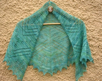 Doogarry Mór Lace Shawlette in Pure Wool