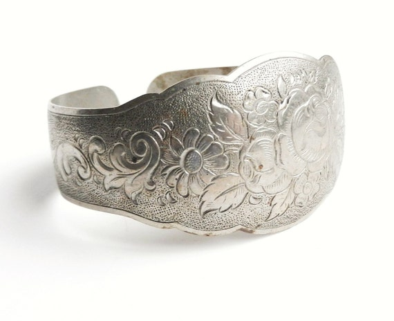 Silver Tone Cuff Bangle - Vintage Embossed Flower Bracelet / Quaint Cuff