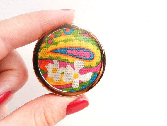 Bright Hippie Pill Box Case - Vintage 1960s Avon Gold Tone Hawaiian White Ginger Solid Perfume Case, Pill Box / Floral Fushion