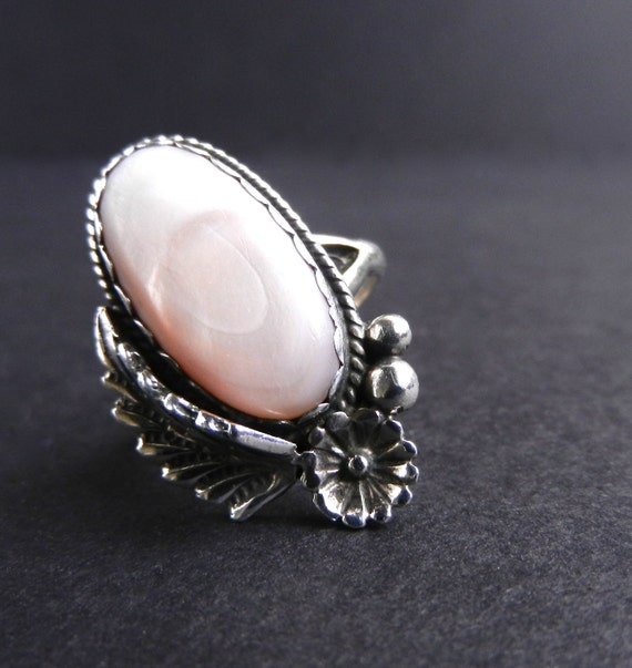 Sterling Silver Pink Mother of Pearl Ring - Vintage Size 6 Native American Ring, Signed  / Hibiscus
