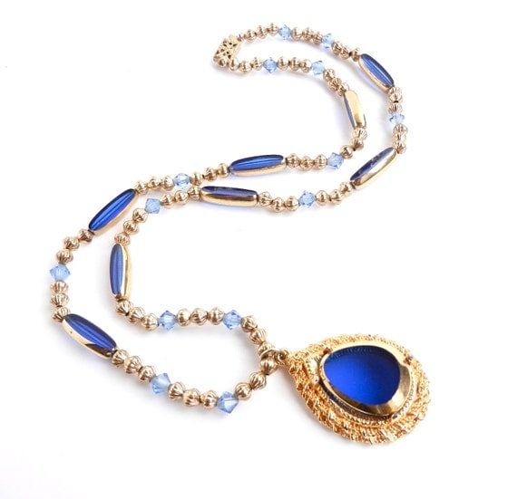 Blue Glass Stone Necklace - Vintage Gold Tone Costume Jewelry  / Rain Drop