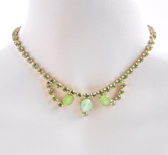 Vintage Green Rhinestone Necklace -  Gold Tone Costume Jewelry / Lucky Clover