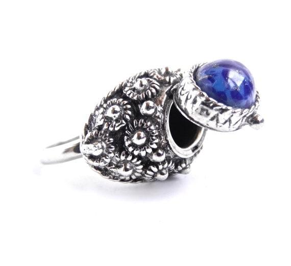 Vintage Poison Ring -  Adjustable Silver Tone Blue Speckled Stone Ring / Secret Compartment