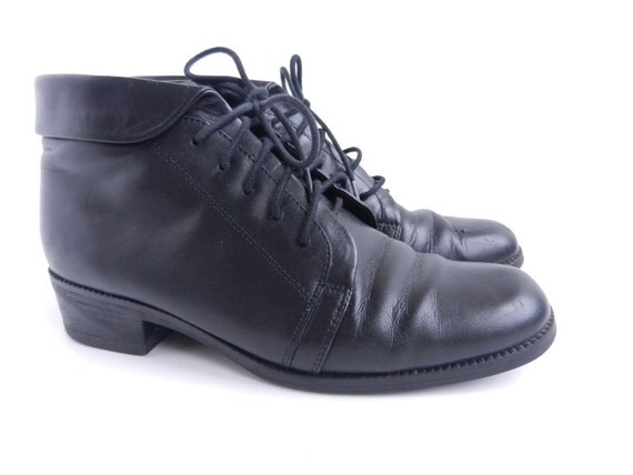 Black Leather Lace Up Shoes - Vintage Size 6.5 Ankle Boots / Prime Black