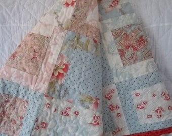 Quilt Pattern for Medium size Framed One Block Quilt, pdf file with photos