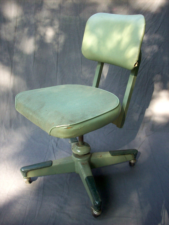 Vintage Steel United Chair Company Ajustable Swivel Task Chair
