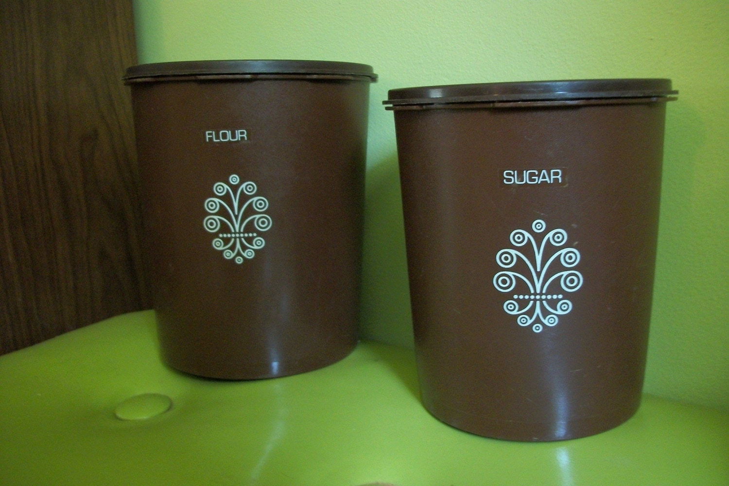 vintage tupperware flour and sugar containers by roserunswild. Black Bedroom Furniture Sets. Home Design Ideas