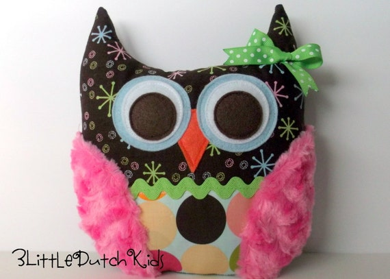 Sheila (Brown and Pink Retro Print Minky Owl Pillow)