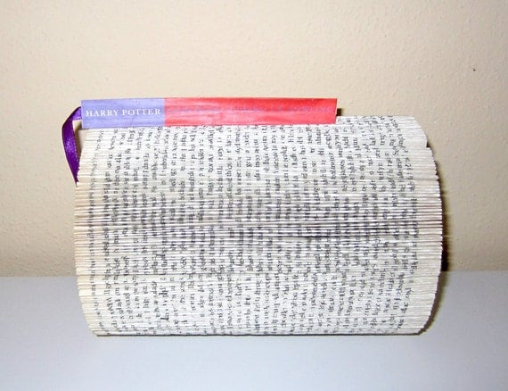 Harry Potter - Book Sculpture with Title on the bookmark