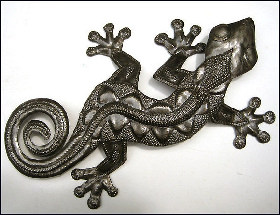"Metal Gecko Wall Art - 26"" - Haitian Metal Art - Recycled Steel Drum Metal Art - Tropical Home Decor - Outdoor Garden Decor - 350-26"