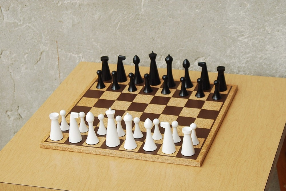 Modern Chess Set By Herman Ohme From 1960 With Original Box