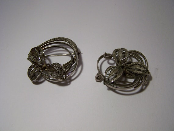 Pair Vintage Brooch Jewellery Flower Handmade Filigree Wire Work Silver Metal Unusual
