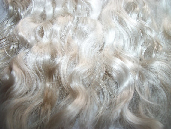 Blythe Doll / Natural Soft  Blonde / Combed Mohair / Doll hair / Reborn  / Rooting (F-7)