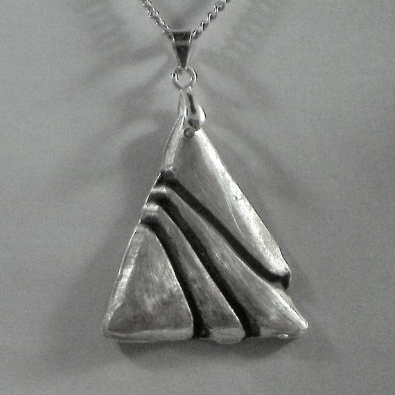 Fine Silver Art Deco Style Pendant Necklace & Earrings