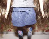 Blue jean like mini skirt with ruffles for Pullip blythe barbie