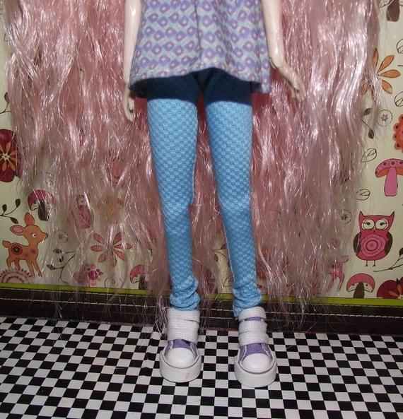 SALE A nice pair of aqua blue skinny leg pants for pullip